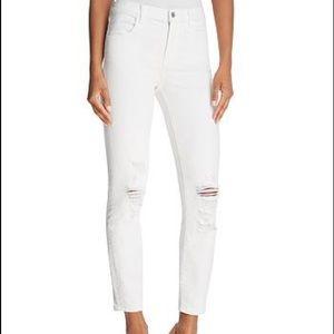 J Brand ALANA skinny jean distressed knee NO STAIN